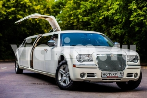 Лимузин на мальчишник Chrysler 300C Giper № 819