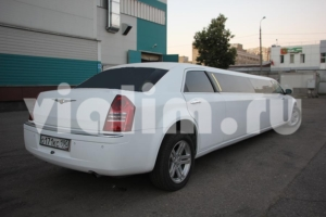 Аренда и прокат лимузина Chrysler 300C № 650 2